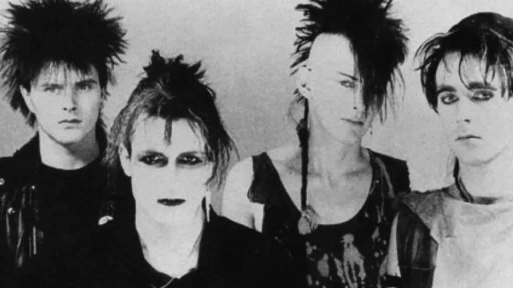 música de Bauhaus, Siouxsie and the Banshees, Sisters of Mercy, The Cult, Sex Gang Child